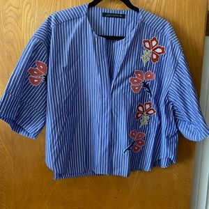 Zara stripped embroidered crop over sized top M